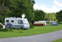 Camping auf dem Land, familienfreundlich, Hunde gern gesehen