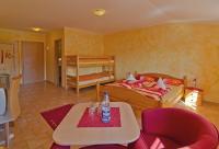 Die Gästezimmer können mit ein oder bis 4 Personen belegt werden...