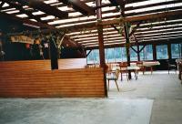 Strandhalle mit Sektbar am Badesee