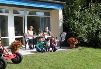 Der KNAUS Campingpark Wingst bietet neben Stellplätzen für Wohnwagen, Reisemobilen und Zelte auch komplett ausgestattete Mietunterkünfte wie Ferienwohnungen und Mobilheime an.