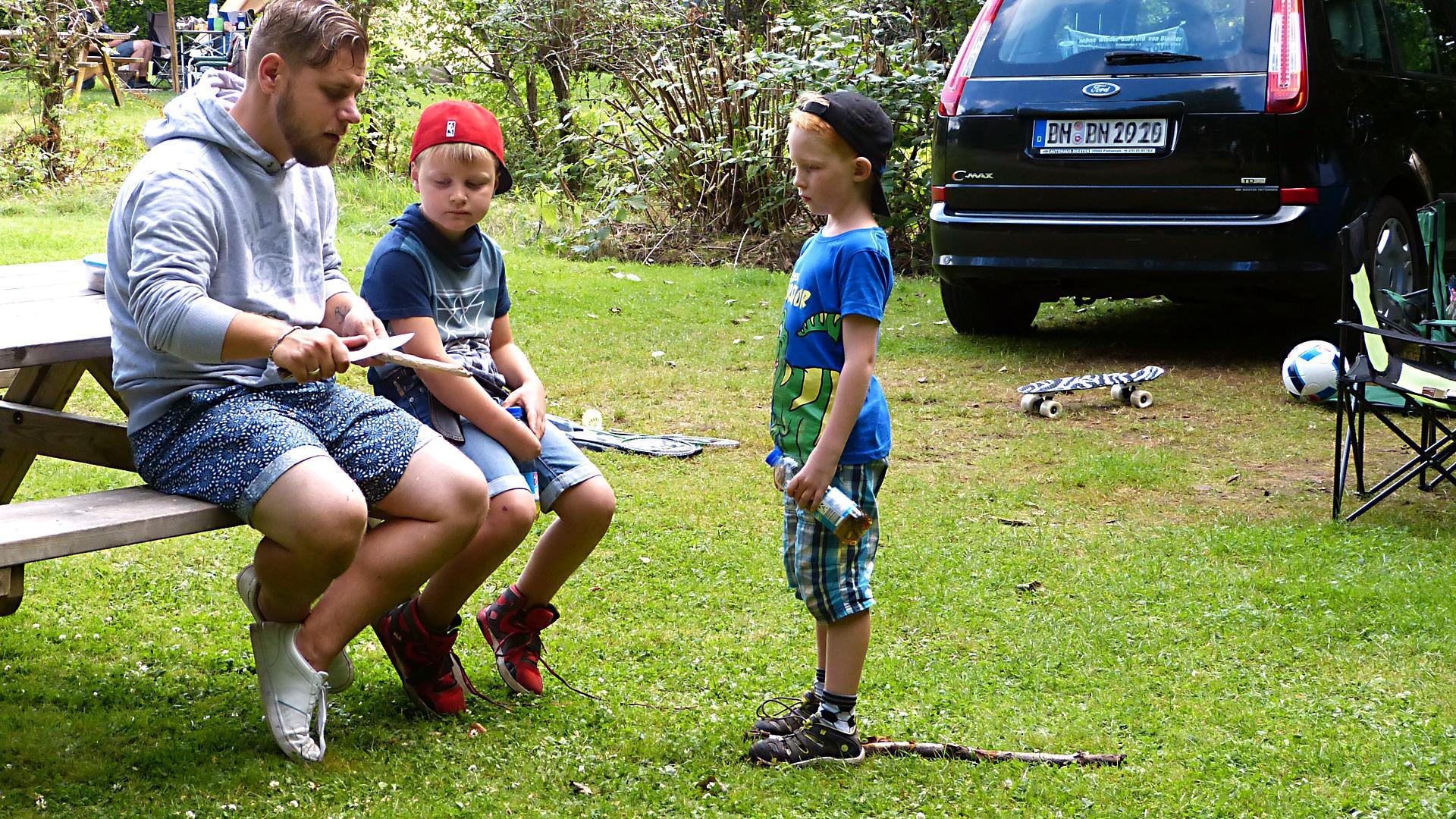 Camping mit Familie, Spaß in der Natur